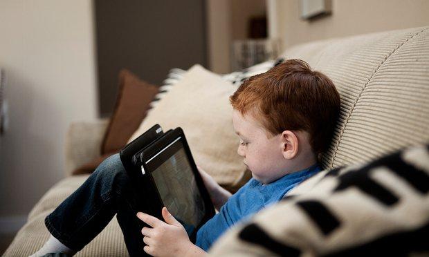 televizorul și tableta în viața copiilor