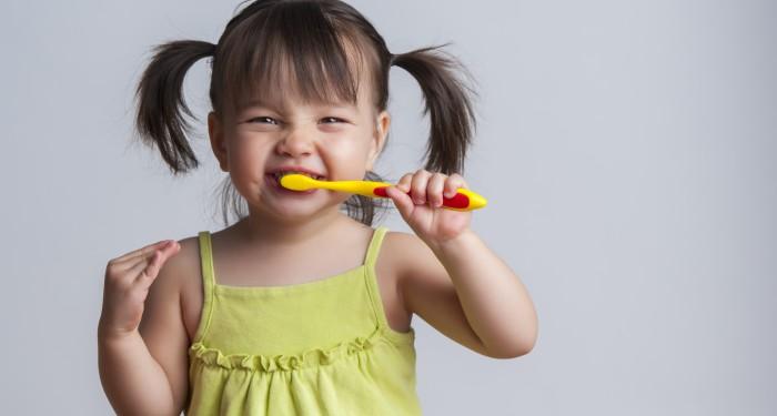 dăruiește un zâmbet ca să ajuți un copil