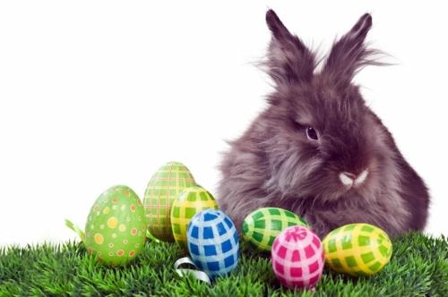 copiii și legenda iepurașului de Paște