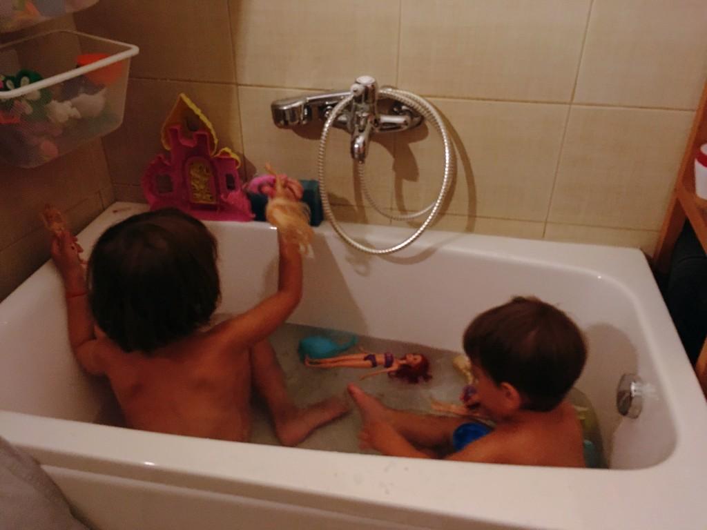 idei de activități de interior pentru copii pe caniculă